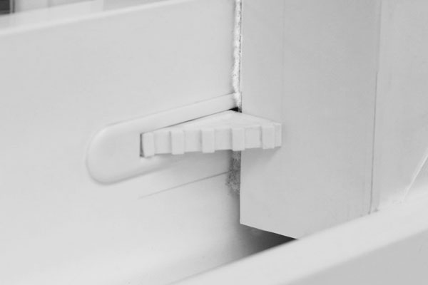 Value vent latch